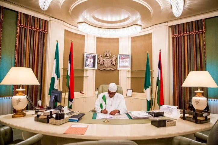 Buhari_in_Aso_Rock.jpg